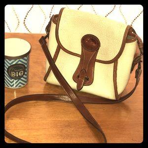 VTG Dooney & Bourke off-White crossbody /handbag